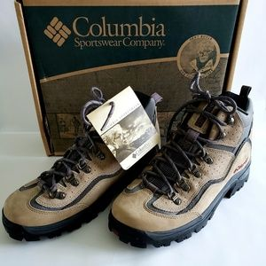 Brand New Women's Hiking Boots Columbia